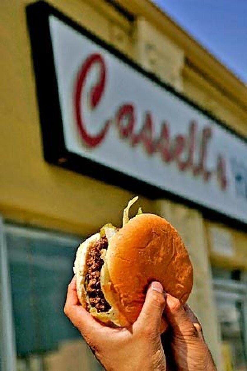 "Al Cassell, who died last week at 98, was making ""gourmet"" burgers years ago."