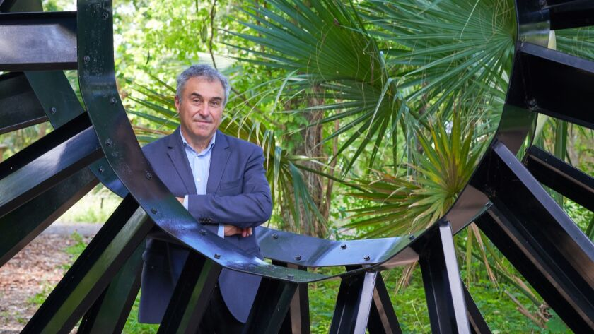 Louis Grachos has been named the new director of the the Palm Springs Art Museum.