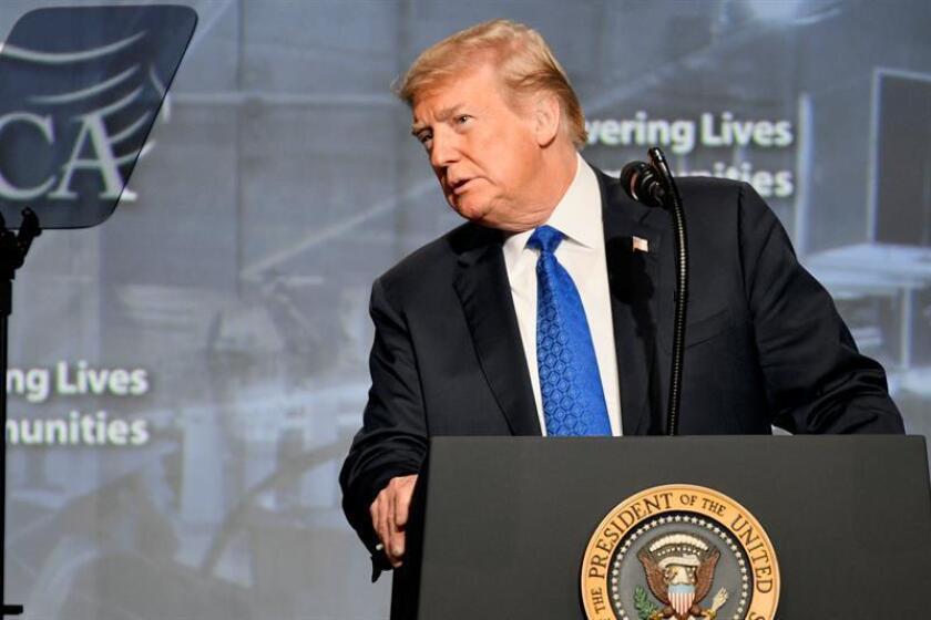 El presidente estadounidense, Donald Trump, pronuncia un discurso hoy, martes 2 de octubre de 2018, durante la Convención Nacional de Contratistas Eléctricos, en Filadelfia, Pensilvania (EE.UU.). EFE