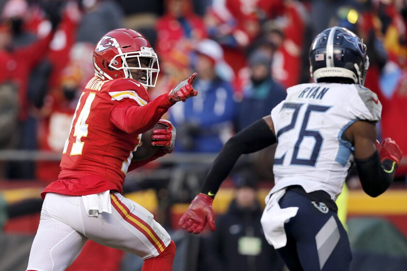 The Chiefs' Sammy Watkins outruns the Titans' Logan Ryan on 60-yard touchdown reception in the AFC championship game.