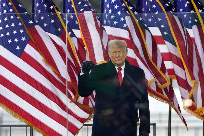 Facebook e Instagram silencian cuentas de Trump - San Diego Union-Tribune  en Español
