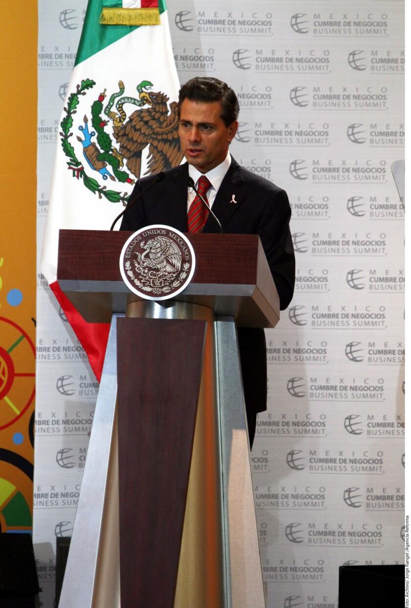 El PRD demandó al Presidente Enrique Peña Nieto por traición a la patria ante el Congreso de la Unión.
