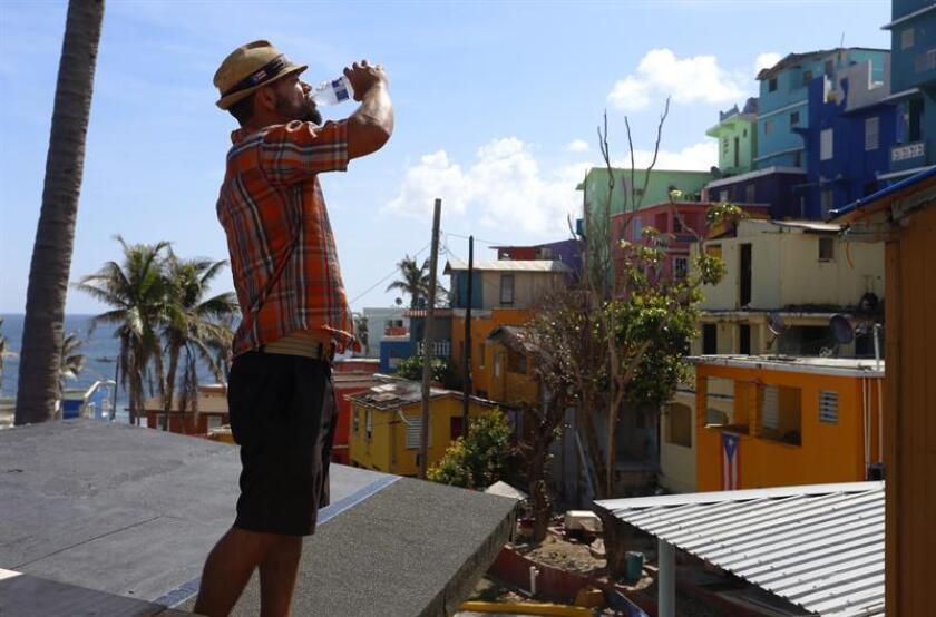 Fotografía que muestra el famoso barrio de La Perla, en el Viejo San Juan. EFE/Archivo