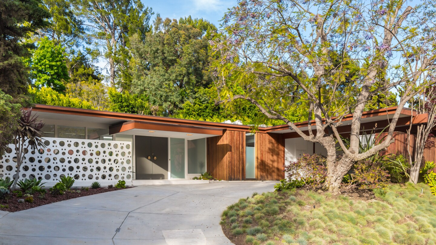 Midcentury Modern-style home | Hot Property