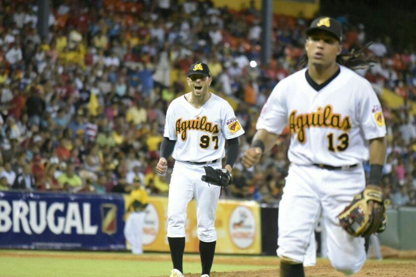 Águilas Cibaeñas vencen a Leones del Escogido y asumen liderato en béisbol dominicano