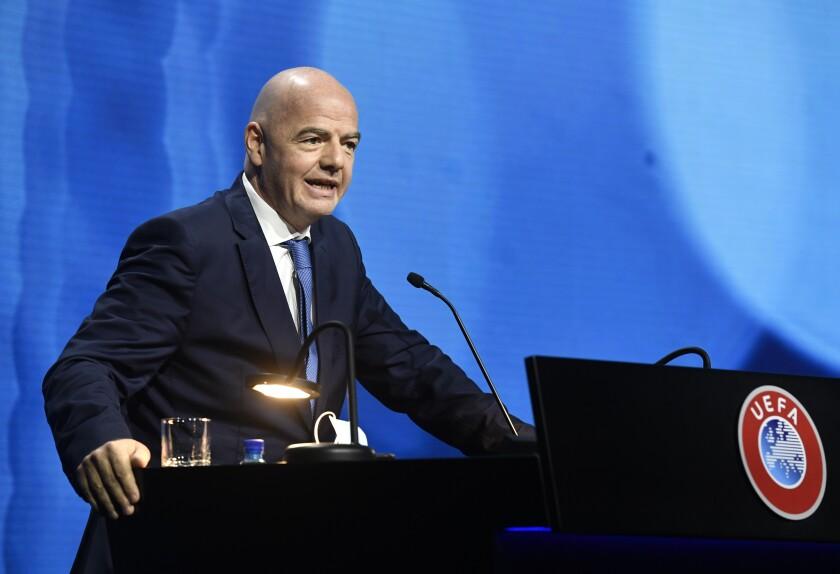 El presidente de la FIFA Gianni Infantino durante el congreso de la UEFA en Montreux, Suiza.