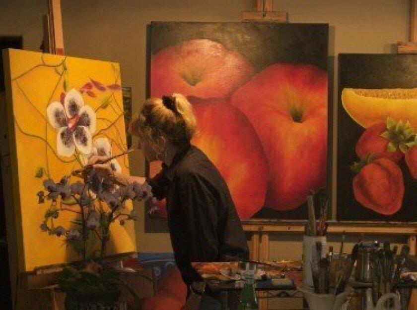 Anne Swan Moore in studio.