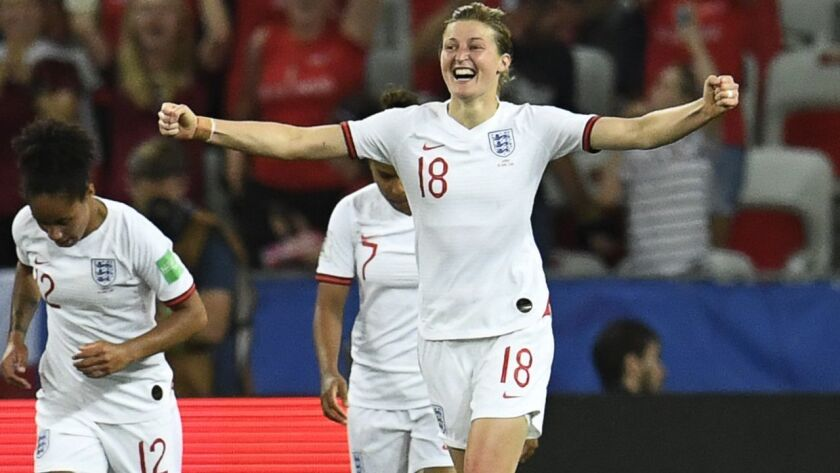 Ellen White (18) and and third-ranked England look to advance to the Women's World Cup quarterfinals with a win Sunday.