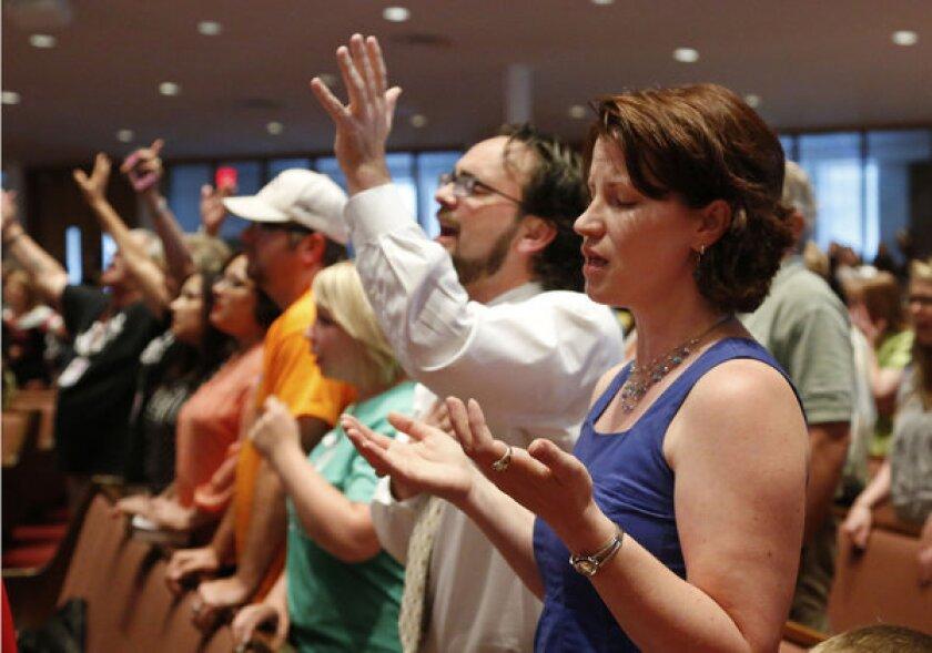 Hundreds gather at Oklahoma prayer service