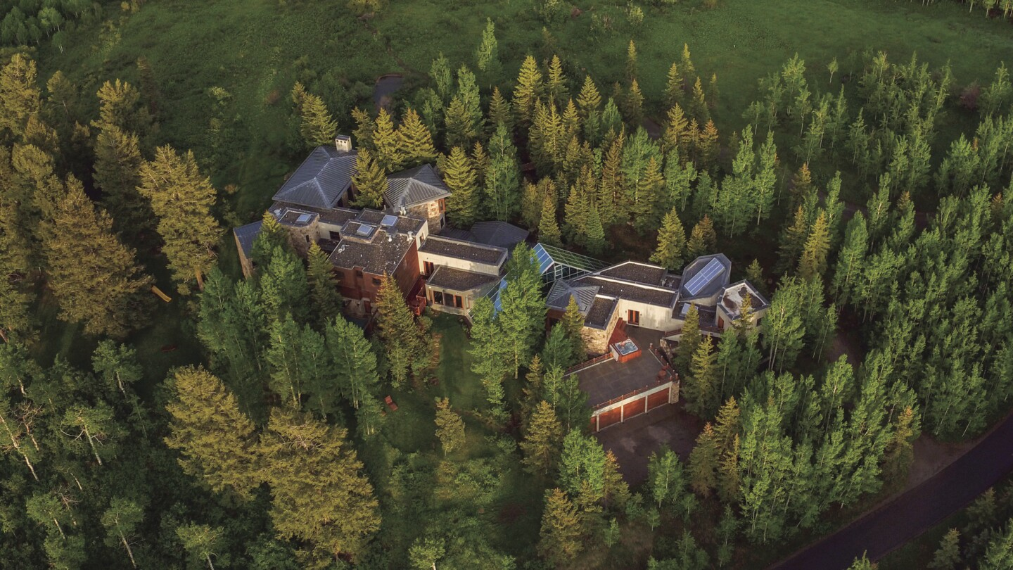 James G. Fifield's Aspen chateau | Hot Property