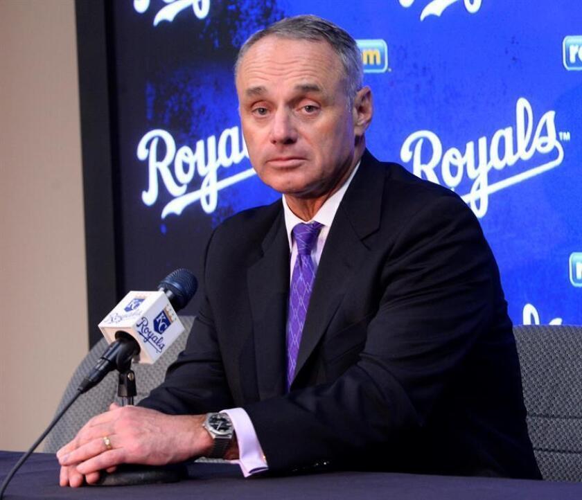 El comisionado de la Liga Mayor de Béisbol Rob Manfred. EFE/Archivo