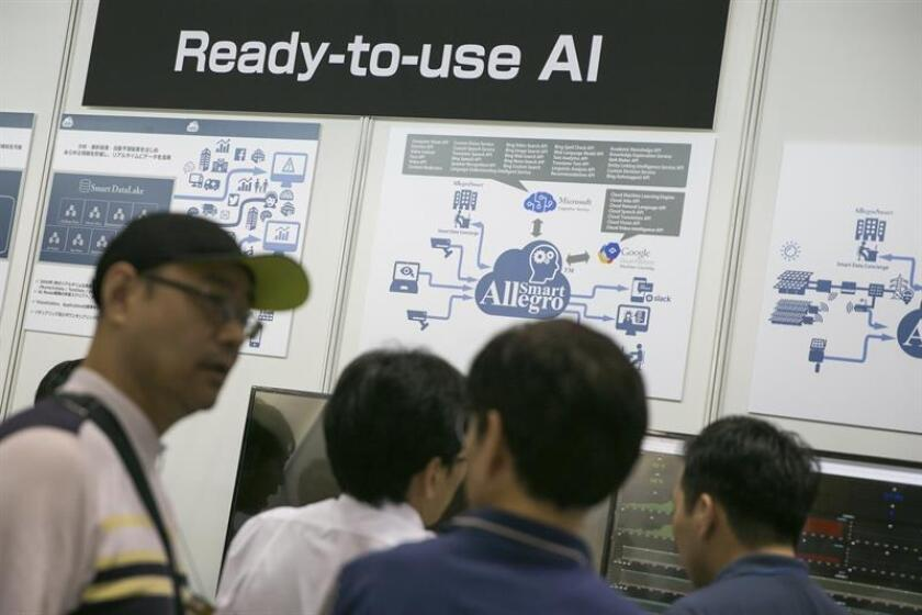 People attend the Artifical Intelligence Exhibition and Conference (AI Expo) in Tokyo, Japan, 28 June 2017. EFE/EPA/FILE