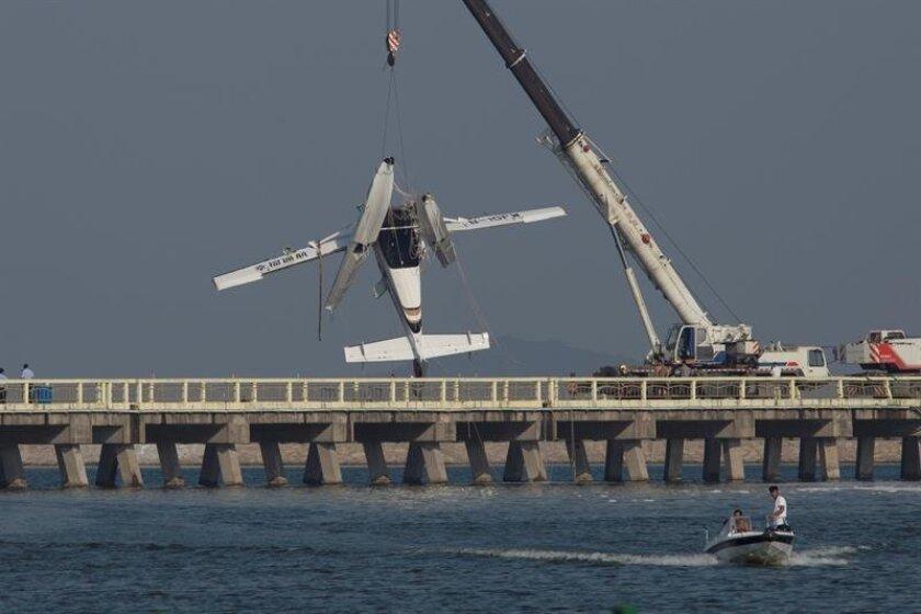 Hydroplane crashes on maiden flight in Shanghai, injuring 10
