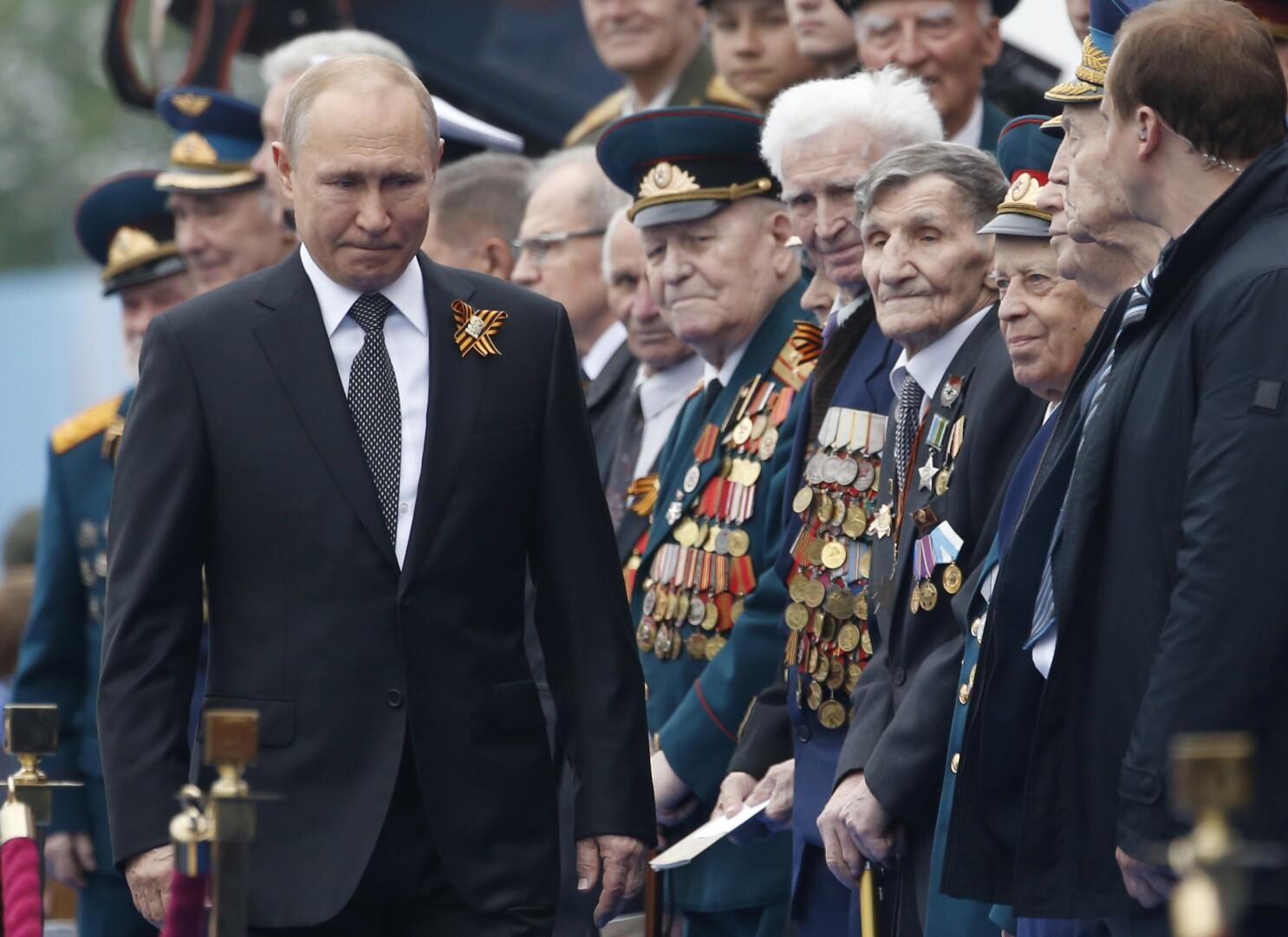 Coronavirus Upends Putin S Political Agenda In Russia Los Angeles Times