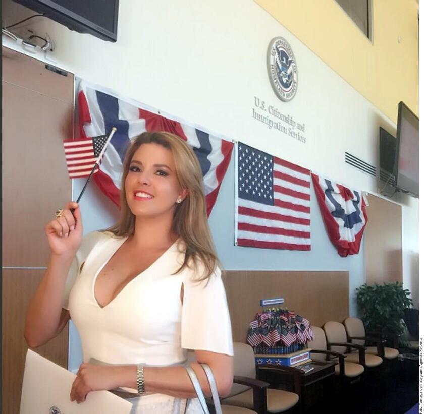 La venezolana anunció a través de las redes sociales el proceso de su naturalización, donde pidió a sus compatriotas, que llevan tiempo viviendo en EU, que hicieran el trámite para hacerse ciudadanos americanos y salir a votar en contra del republicano, ya que, según ella, el país los necesita.