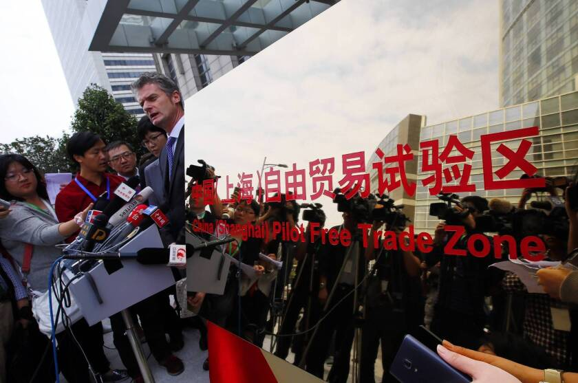 China opens new free-trade zone in Shanghai