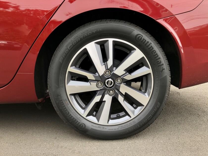 -Nissan-Versa-Wheel.jpg