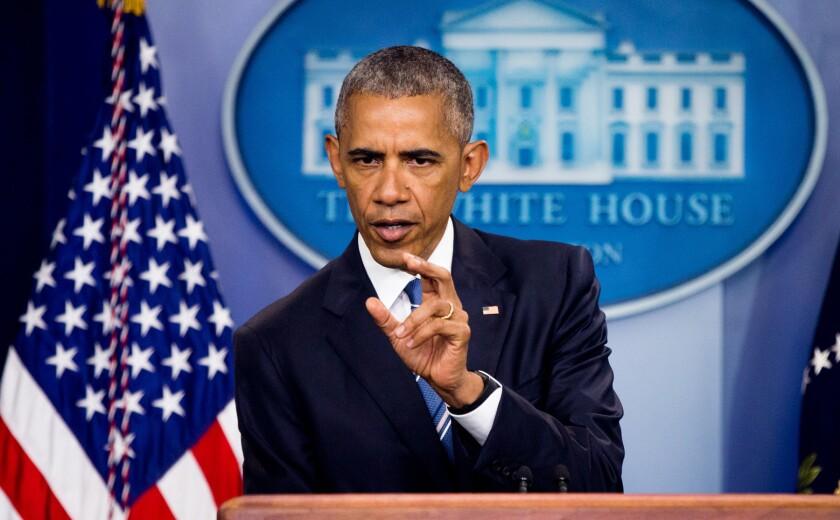 FotografÌa de archivo del 23 de junio de 2016 del presidente Barack Obama hablando en la Casa Blanca sobre un fallo de la Corte Suprema sobre inmigraciÛn. (AP Foto/Andrew Harnik)