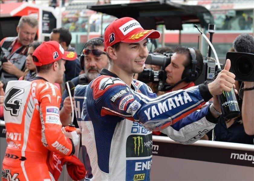 El piloto español de MotoGP Jorge Lorenzo, del equipo Yamaha Factory Racing, reacciona tras ser el mejor en el Gran Premio deMugello, Italia. EFE/Archivo
