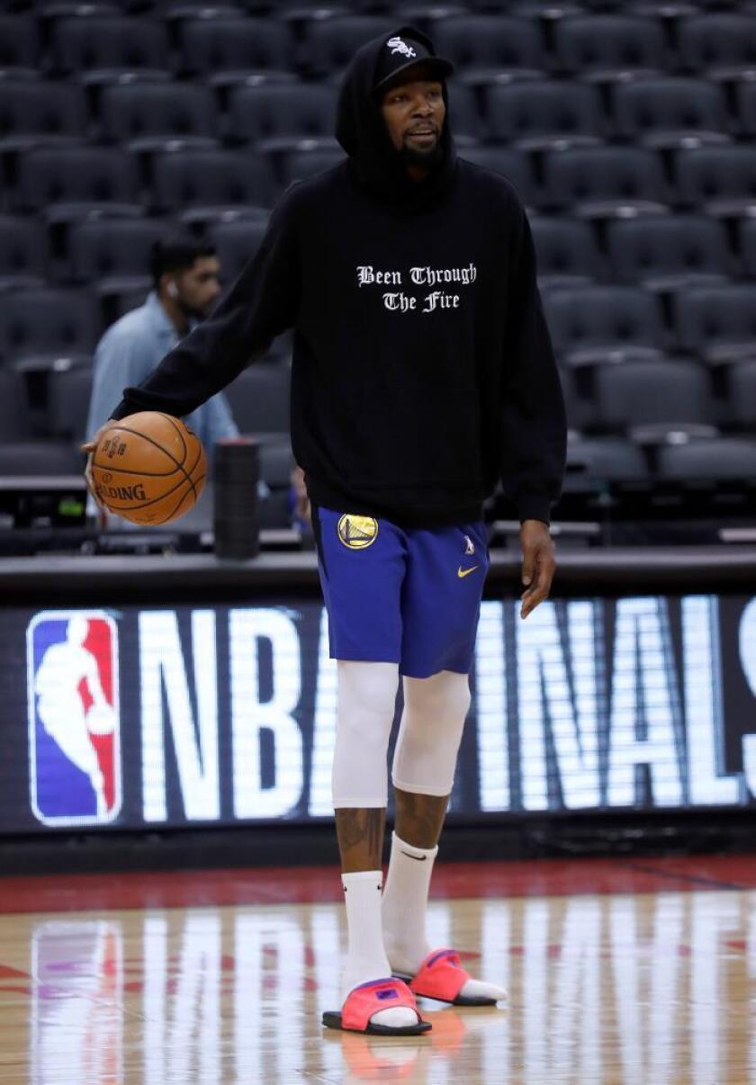 """Durant entrena con los Warriors y es """"cuestionable"""" para el quinto partido"""