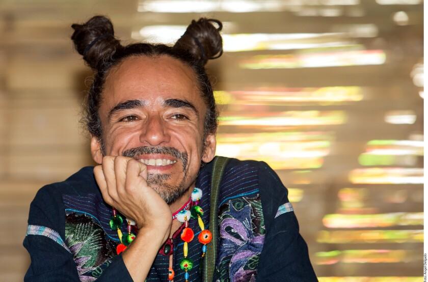Para que el País cambie no es necesario elegir a un nuevo Presidente, sino impulsar una transformación desde la individualidad, considera Rubén Albarrán, vocalista de Café Tacvba y Hoppo!