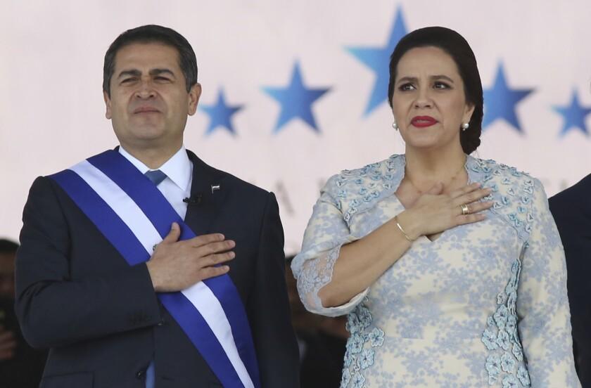 el presidente de Honduras, Juan Orlando Hernández, y su esposa Ana García