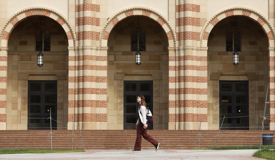 UCLA classes online coronavirus.