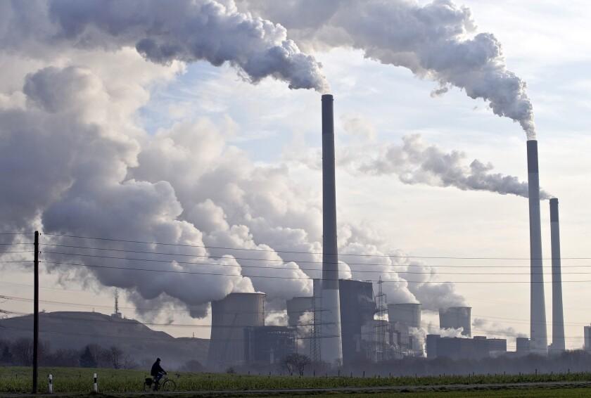 As Brown visits China, California-Quebec carbon-trade deal advances