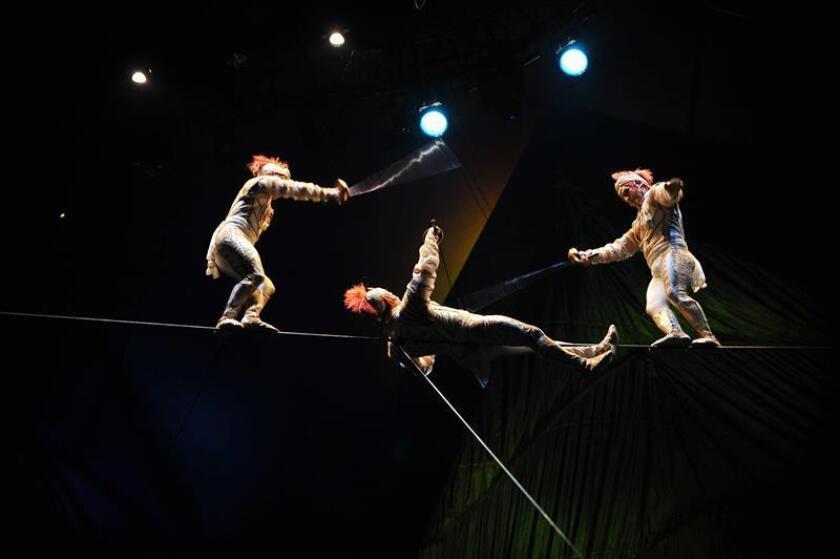 Un veterano acróbata de la compañía Cirque du Soleil murió tras caerse en un espectáculo que se desarrollaba la noche del sábado en la ciudad de Tampa, en el oeste de Florida, informaron hoy la compañía y portavoces de un hospital local. EFE/Archivo