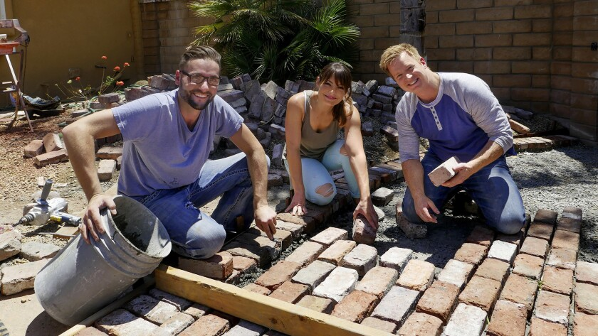 """Desert Flippers"" stars Lindsey and Eric Bennett, right, get help from Mike Schneider, Lindsey's bro"