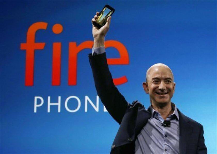 Fotografía de archivo del 18 de junio de 2014 dle director general de Amazon Jeff Bezos durante un acto para presentar el teléfono Amazon Fire en Seattle. (AP Foto/Ted S. Warren, Archivo)