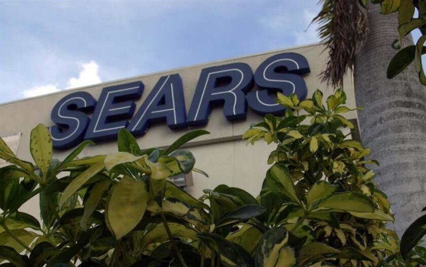 Fotografía donde se observa el logo de Sears. EFE/Archivo