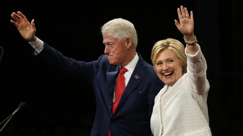 Foto de archivo de la pareja Clinton.