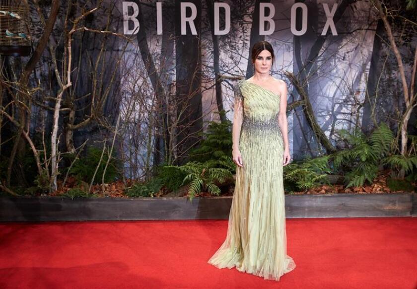 La actriz estadounidense Sandra Bullock posa para los fotógrafos a su llegada a la presentación de la película ''Bird Box: a ciegas'', en Berlín (Alemania), el 27 de noviembre de 2018. EFE/Archivo