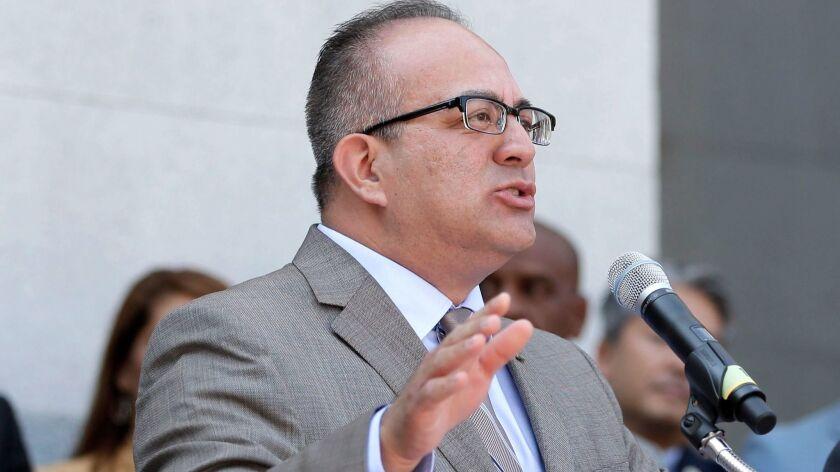 Raul Bocanegra, Mike Gatto