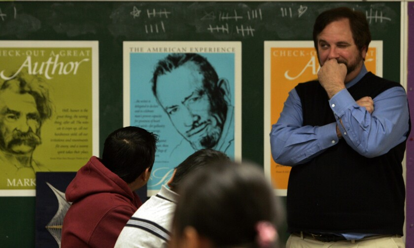 Educator Rafe Esquith teaches a class of 5th graders at Hobart Boulevard Elementary School in 2007. Esquith was suspended in April, pending an LAUSD investigation.