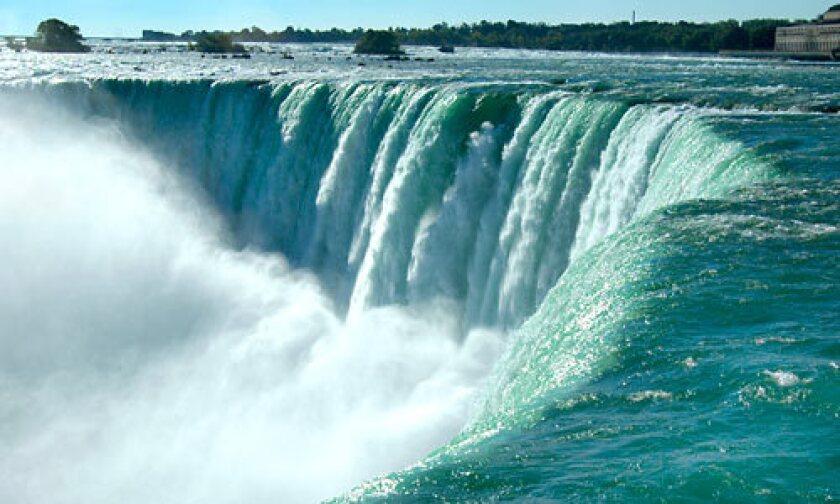 A stunning view of Niagara Falls.