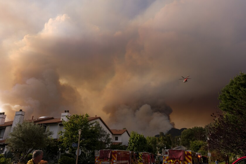 Los Angeles brush fire: Topanga Canyon residents flee Palisades fire