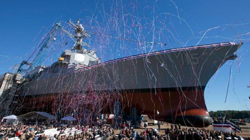 La ceremonia en el astillero Bath Iron Works para bautizar el USS Rafael Peralta fue en homenaje al marine muerto, que dio la vida en servicio del país al que emigró cuando era niño. Se cree que Peralta es el primer militar nacido en México en tener un buque de guerra que lleve su nombre.