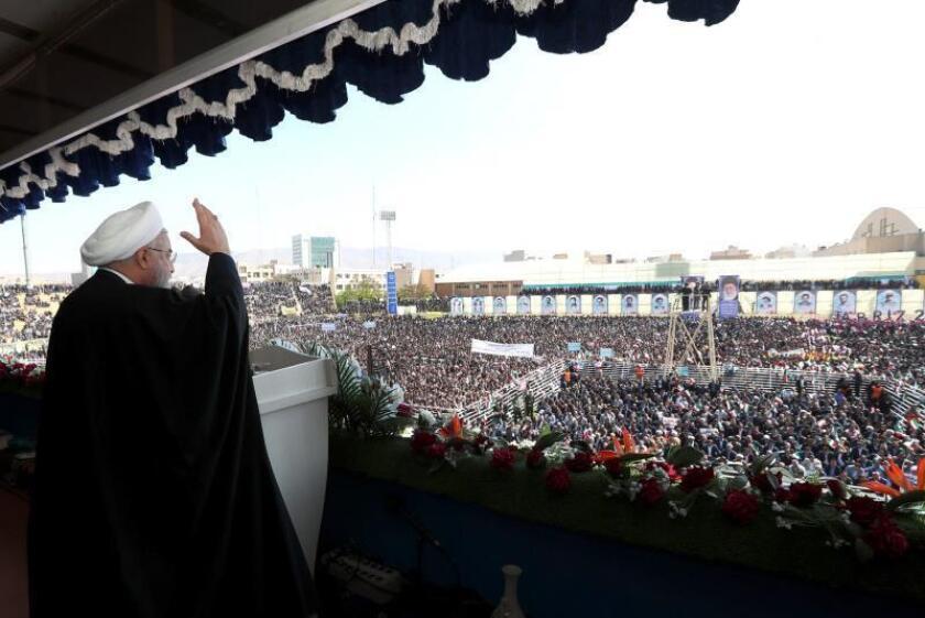 Imagen cedida por la Oficina Presidencial del presidente iraní, Hasan Rohaní, pronunciando un discurso en Tabriz, Irán. EFE