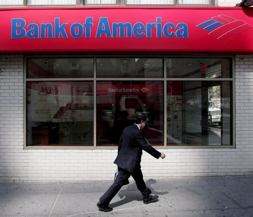 Bank of America cerró 2017 con un beneficio neto de 18.232 millones de dólares, un 2,3 % más que el año anterior y mejor de lo previsto, aunque en el último trimestre sus ganancias bajaron un 47,8 % por el impacto de la reforma fiscal. EFE/Archivo