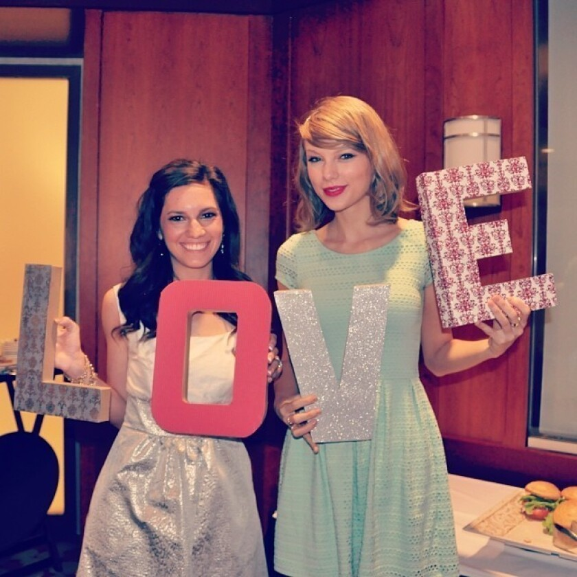 Taylor Swift Fan In Awe That Star Surprised Her At Bridal Shower Los Angeles Times
