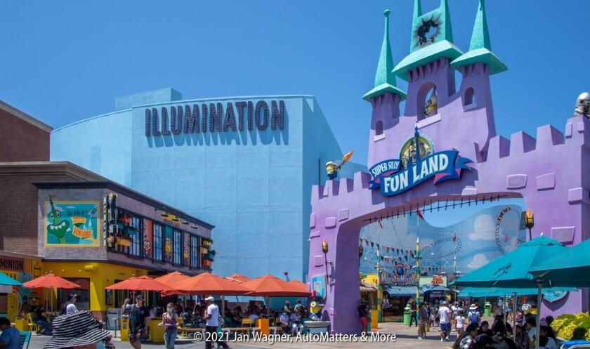 Minion Cafe next to Super Silly Fun Land
