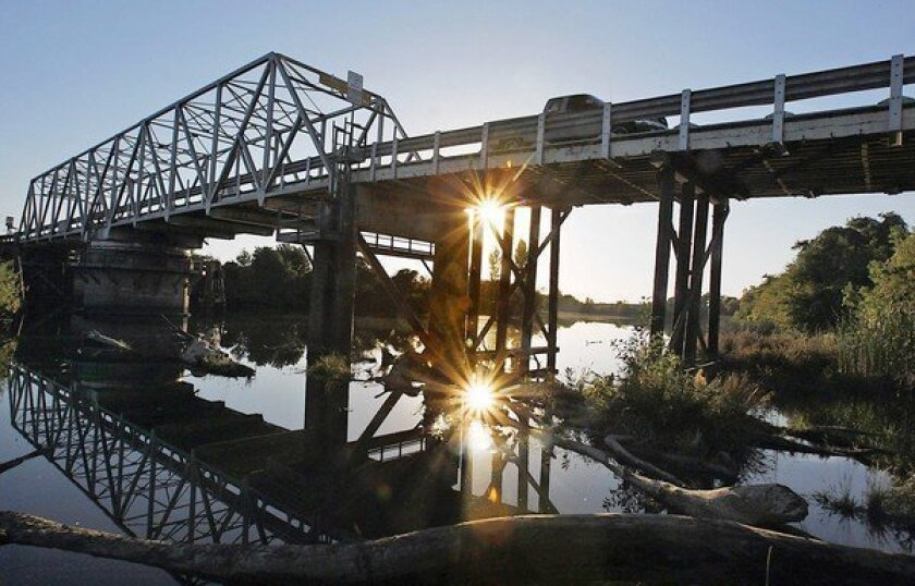 Who will pay for Sacramento-San Joaquin Delta tunnel project?