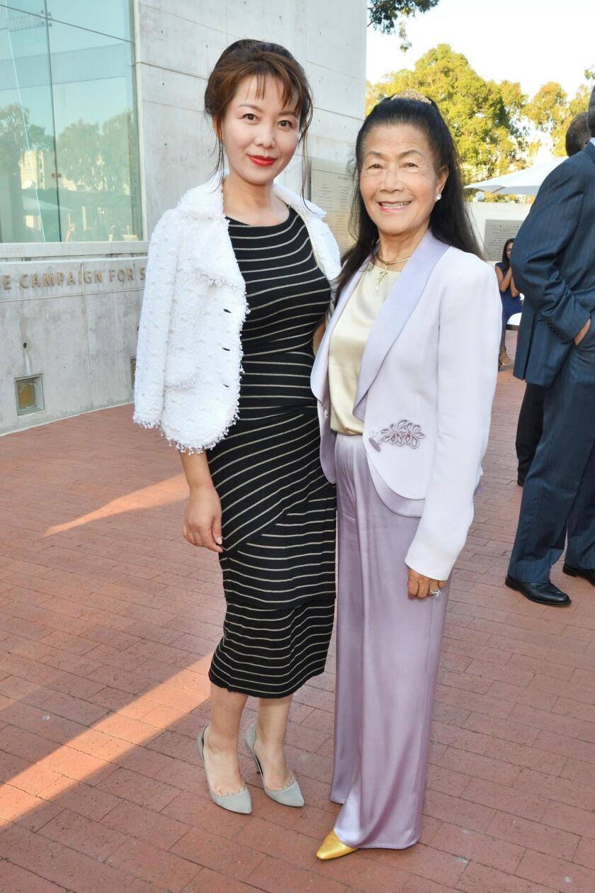 Helen Li, Claire Reiss