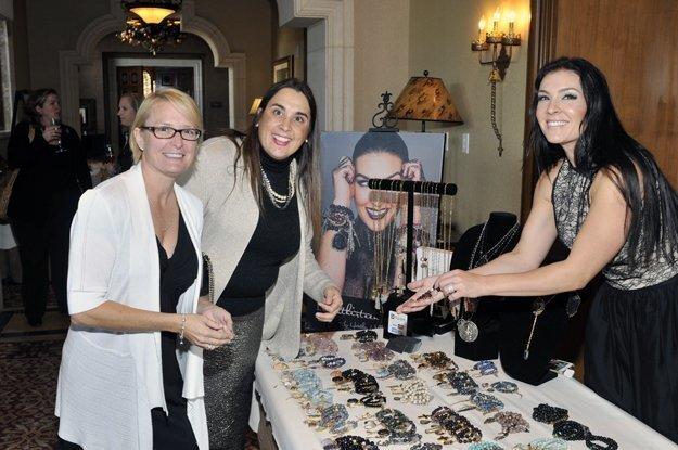 Jennifer Stickney, Becky Howe, Heather Wells (www.love-thirteen.com)