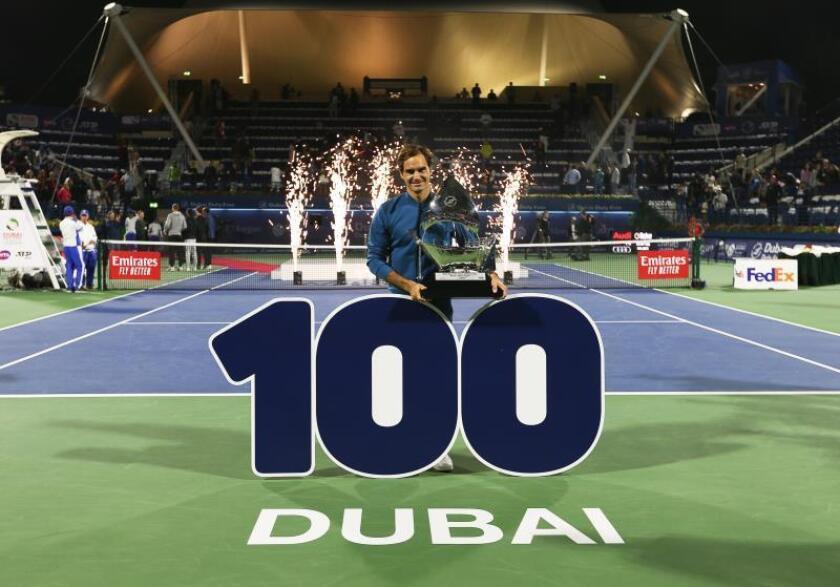 El suizo Roger Federer en el torneo de Dubai, Emiratos Árabes Unidos. EFE