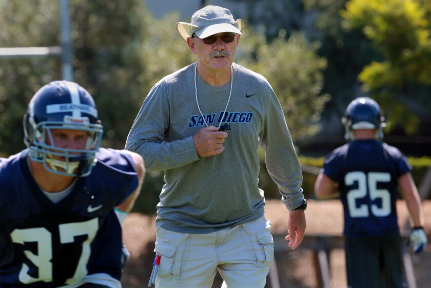 Before USD removed itself from consideration for a Pioneer Football League title, it appeared Dale Lindsey was going to lead the Toreros to the FCS playoffs.