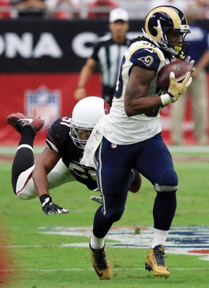 Todd Gurley (d), jugador de los Rams de Los Ángeles. EFE/Archivo