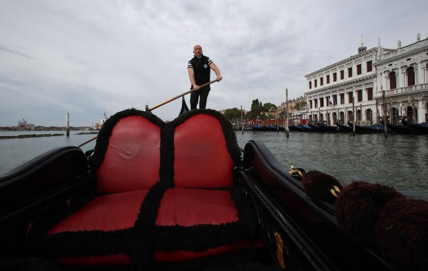 Virus Outbreak Reimagining Venice